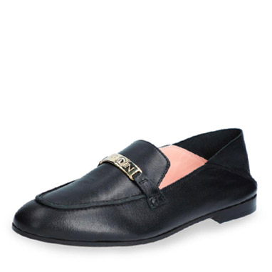 Marc Cain Slipper in schwarz mit goldener Applikation.